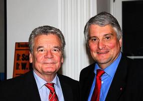 Joachim Gauck war ein paar Tage vor seiner Wahl zum Bundespräsidenten bei der Landtagsfraktion in München.