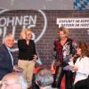 """""""Kohnen Plus"""" in Augsburg mit Natascha Kohnen, Schlagersängerin Claudia Jung und Stadträtin Mäggi Heinrich."""