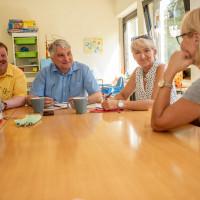Die SPD zu Besuch bei der Familienstation in Gersthofen. Mit dabei Christian Miller und Janine Hendriks. Foto: Josef Pröll