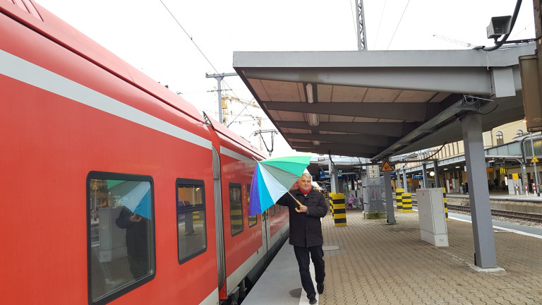 HG Bahnhof kurze Überdachungen