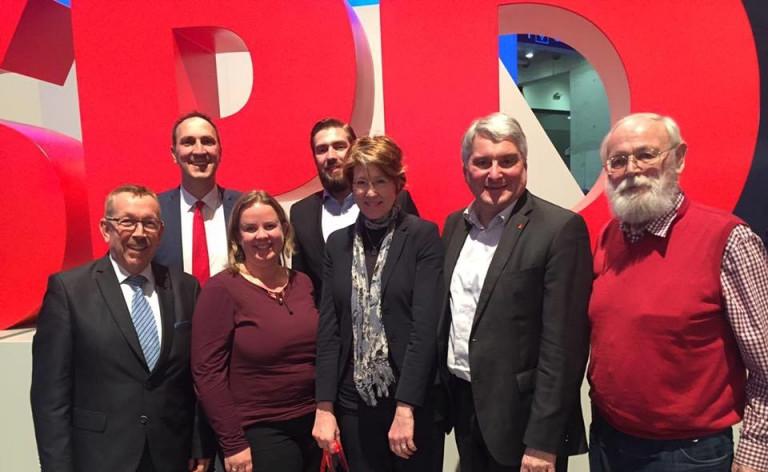 Die schwäbische Delegation auf dem Bundesparteitag: Karl-Heinz Brunner, Christoph Schmid, Katharina Schrader, Florian Kubsch, Ulrike Bahr, Harald Güller und Leo Wiedemann.