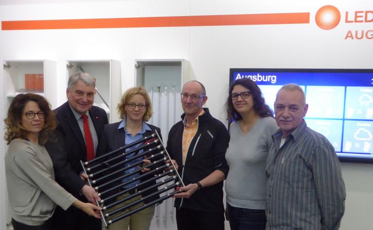 Solidarität mit Streikenden ist ein wichtiges Zeichen. Bei Ledvance war ich mit Margarete Heinrich (SPD-Fraktionsvorsitzende in Augsburg), Natascha Kohnen (Landesvorsitzende der ByernSPD) und Angela Steinecker (SPD-Stadträtin in Augsburg).